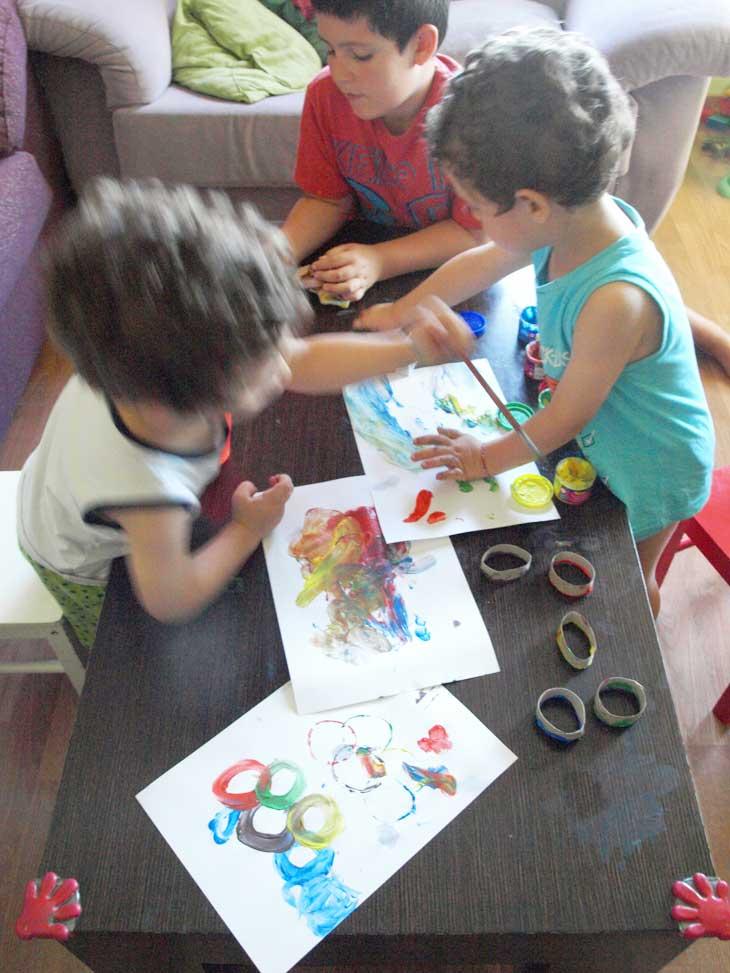 Los tres pintando