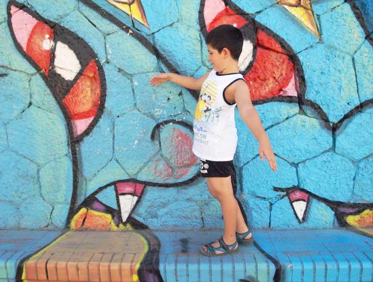 Paseando entre grafitis